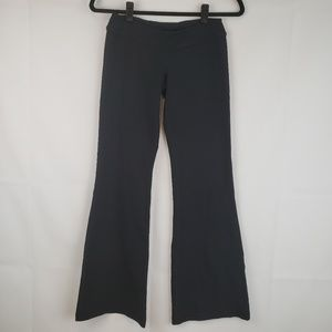 Lululemon Women's Yoga pants black flare Size 4